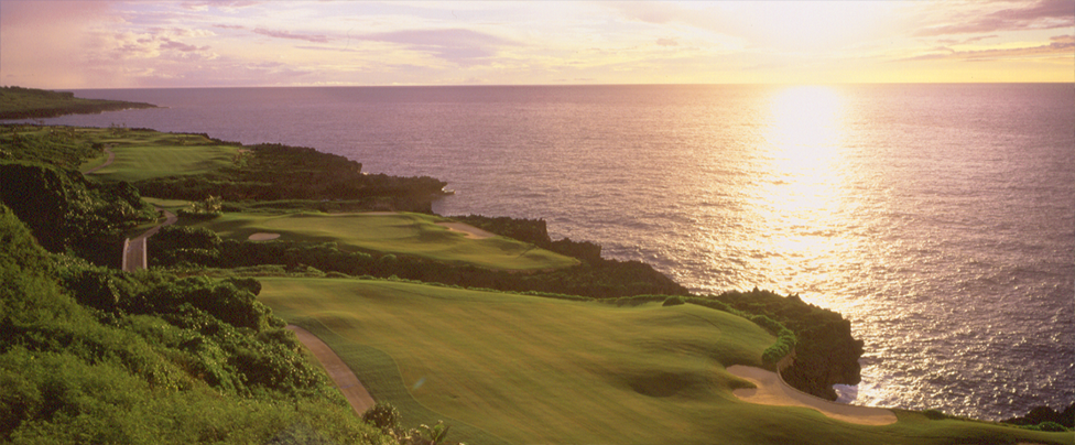 Breathtaking ocean view and impressive scenes from all holes you play.